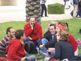 Arava students brainstorming together as part of a study session.